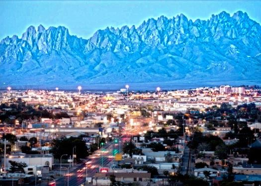 Photo of Las Cruces with mountains in the background